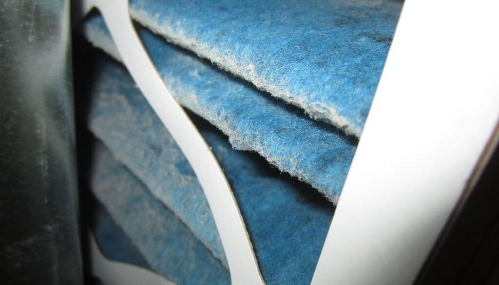 Did you know that changing your furnace filters regularly will lead to improved energy consumption, reduce allergies, and avoid costly maintenance? - Saviez-vous que changer vos filtres régulièrement va mener à une consommation d'énergie améliorée, diminuer les allergies et éviter de la maintenance coûteuse?